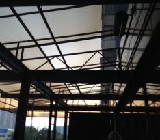 Навес из поликарбоната — вид изнутри