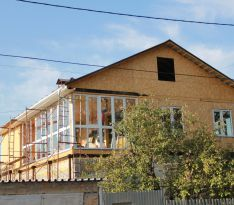 Остекление двухэтажного дома: завершающий этап