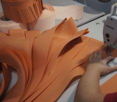 Производство вертикальных жалюзи оранжевого цвета