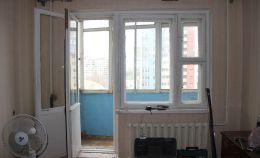Вид балкона до ремонта