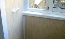 Отделка углов стен балкона
