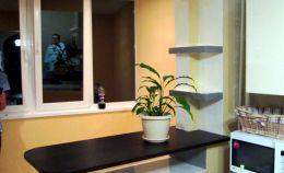 Совмещение кухни с балконом: вид из комнаты