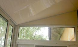 Отделка потолка балкона на последнем этаже