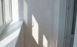 Пластиковое остекление балкона + отделка