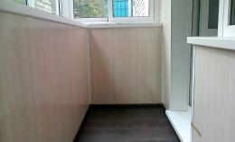 Холодное остекление балкона и отделка под ключ