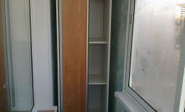 Шкаф купе для узкого балкона