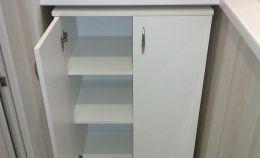 Нижний шкаф на лоджии с 3 полками для хранения